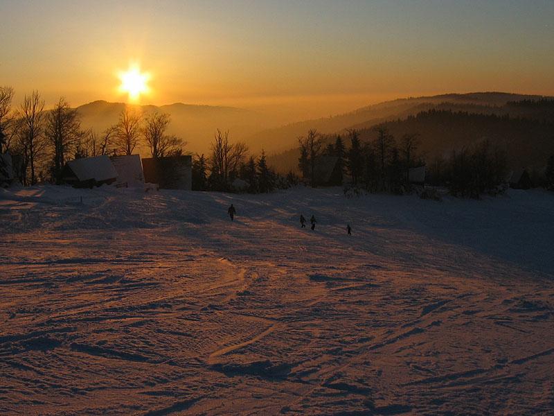 Většina lyžařů je už touto dobou doma. Ani neví, o co přicházejí.